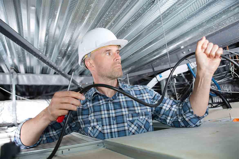 Électricien : Un électricien professionnel ?